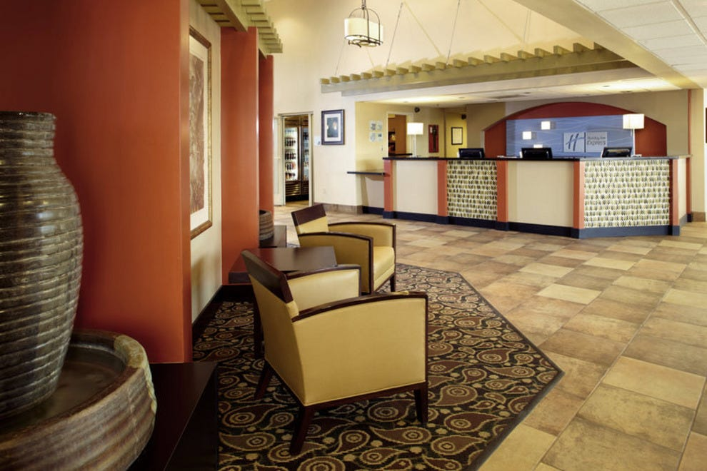 Holiday Inn Express Hotel & Suites Scottsdale