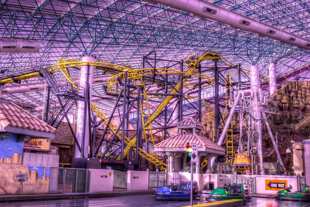 Hasil gambar untuk adventure theme park las vegas
