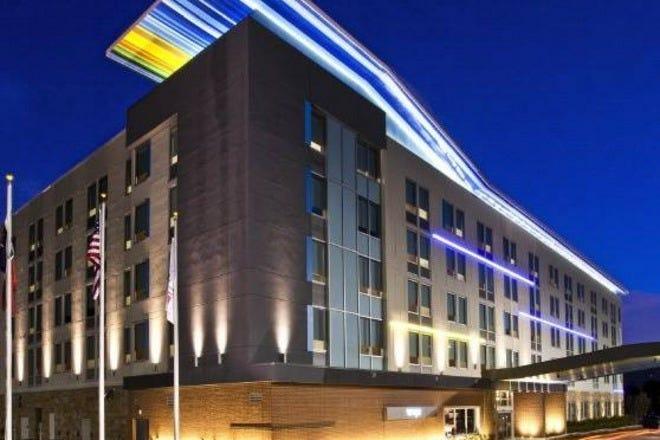 Hotels near Dr Pepper Arena
