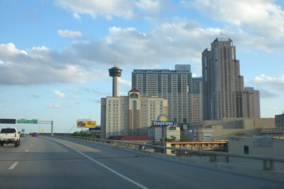 Hotels near at t center hotels in san antonio for Dining near at t center san antonio