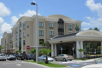 Holiday Inn Express & Suites Tampa USF Busch Gardens