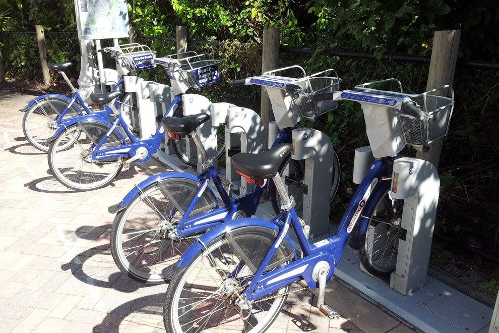 Rent a bike at the Hollywood Broadwalk