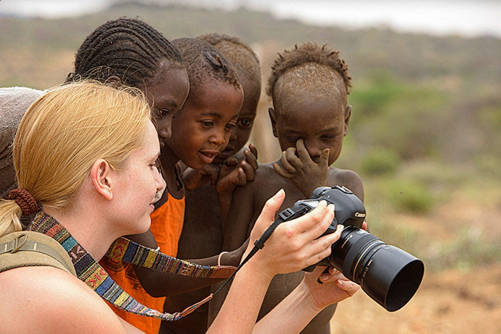Curious Hamer children and photographer