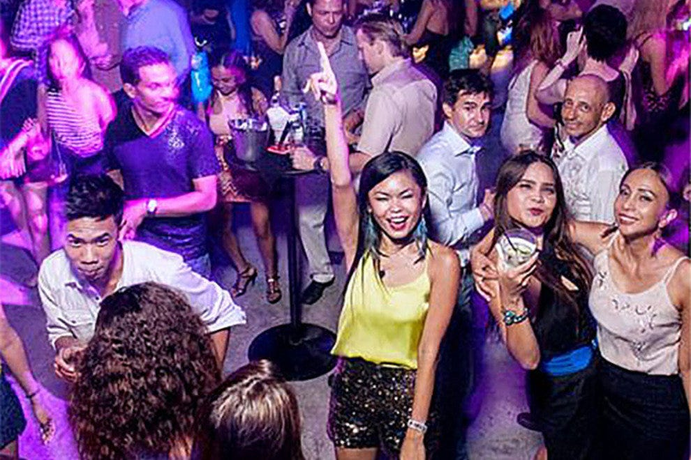 Bangkok nightlife club insanity amp mixx fail - 4 1
