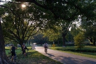 Half-Day Dallas Bike Tour: Ride through White Rock Lake Park