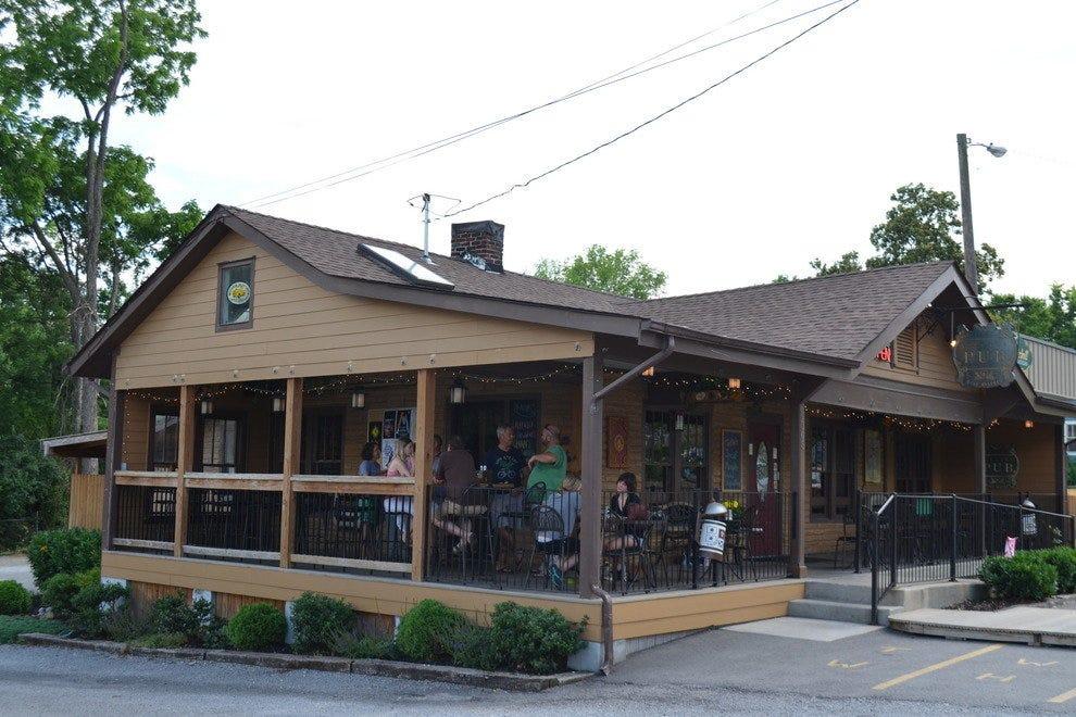 Village Pub And Beer Garden Nashville Nightlife Review