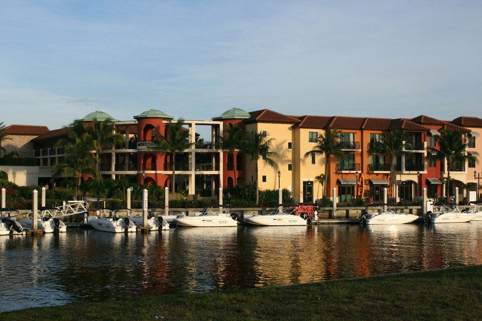 Naples Bay Resort connects the dots between luxury and nautical.