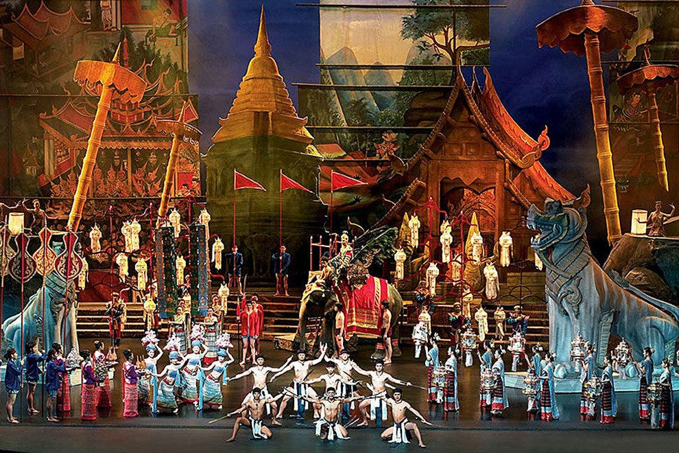 Dancers at Siam Niramit
