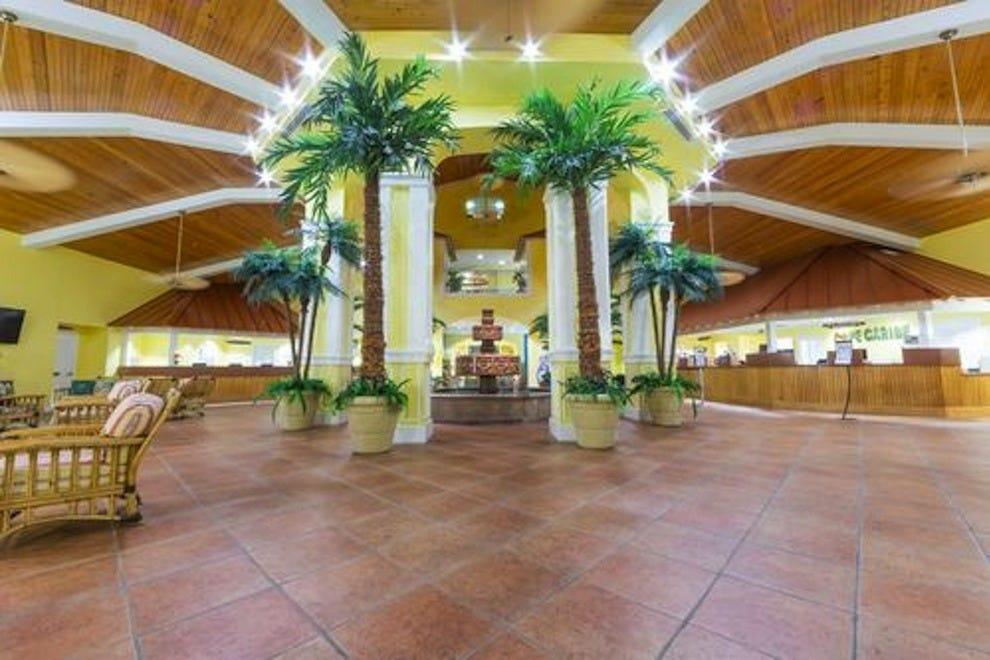 假日酒店俱乐部度假卡纳维拉尔角海滩度假村