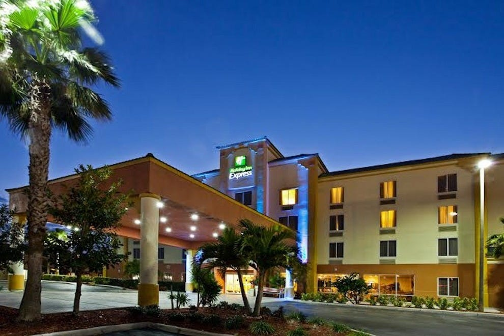 Holiday Inn Express Hotels Suites Cocoa Beach