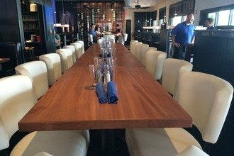 How Many in Your Party? Fort Myers Restaurants That Accommodate Big Groups