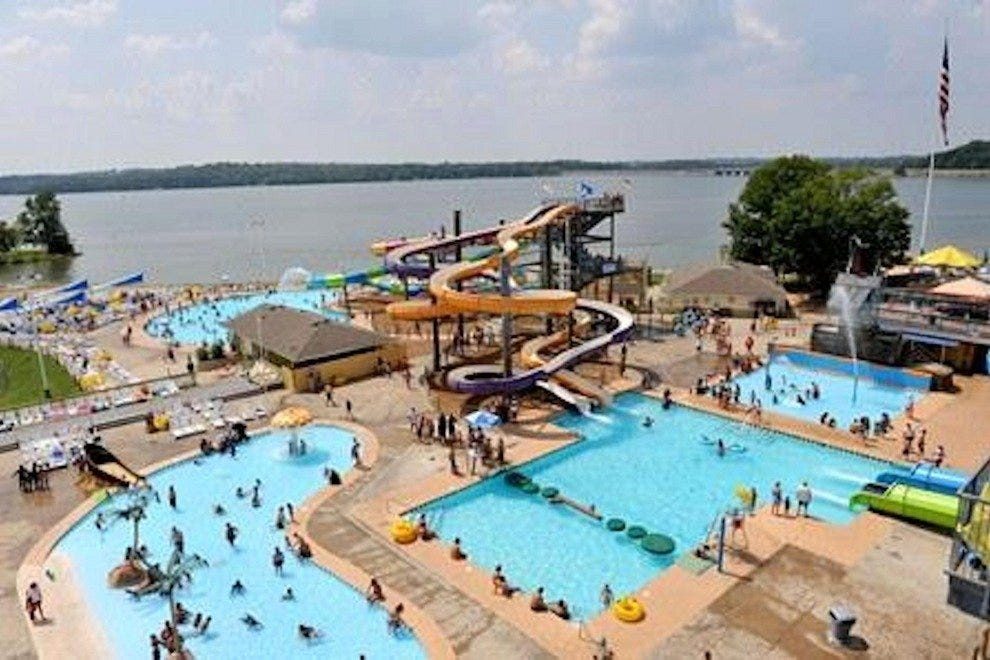 Nashville shores nashville attractions review 10best for Cabins to stay in nashville tn
