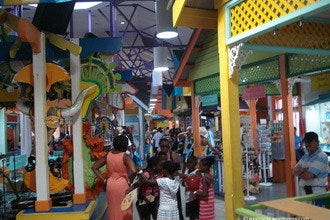 Shopping Malls and Centers in Nassau
