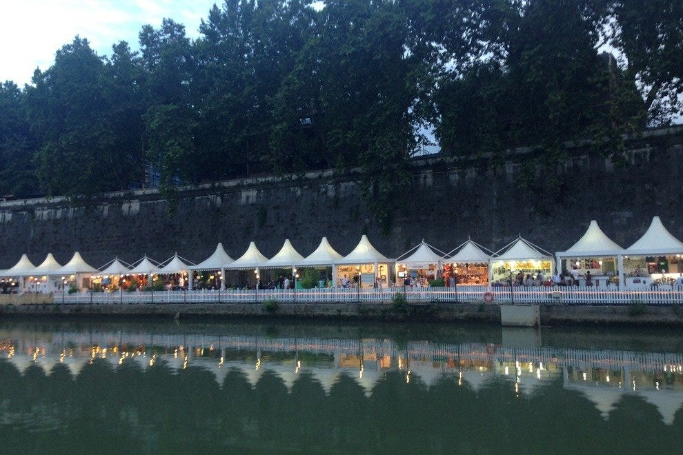 See the banks of the Tiber River come alive