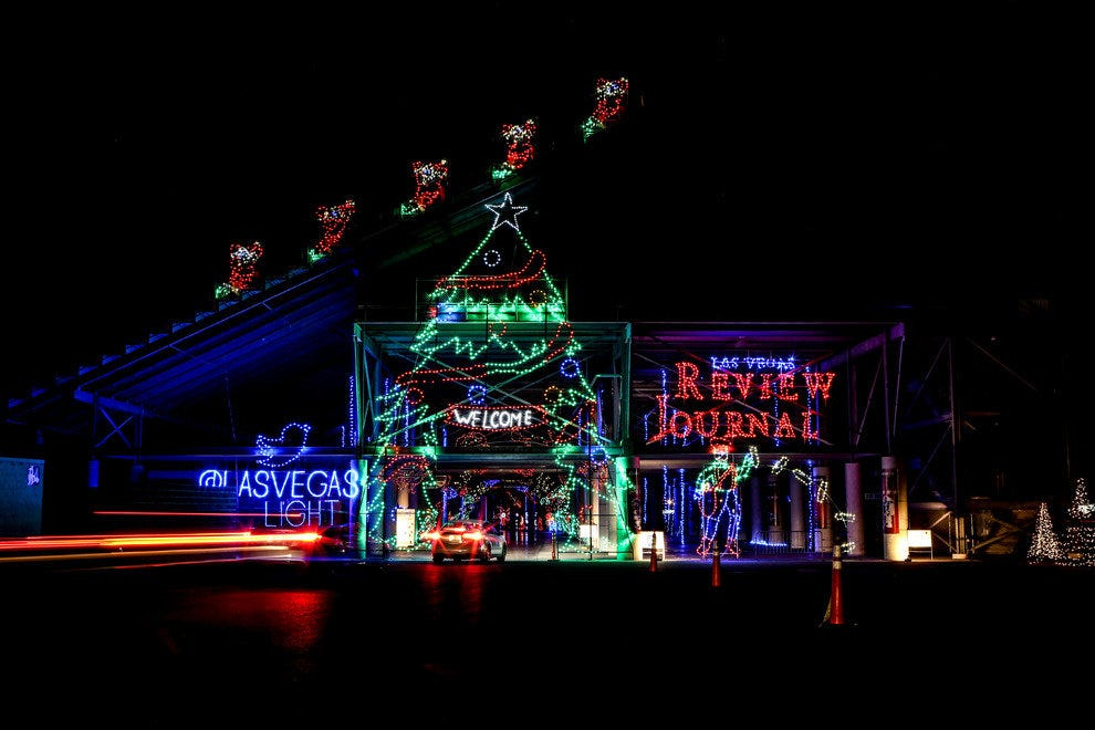 Holiday attractions attractions in las vegas for Las vegas motor speedway hotels