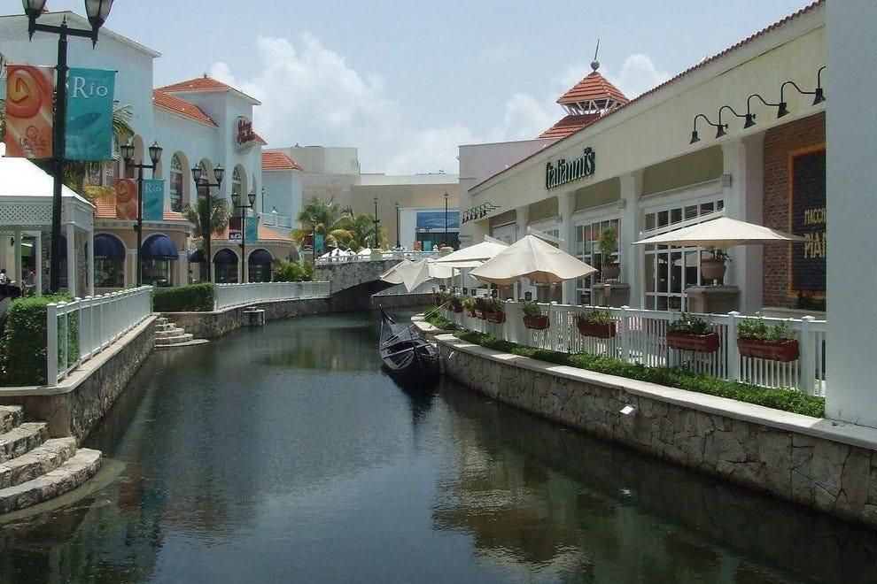 Cancun S La Isla Shopping Village Shop Eat And Have Fun