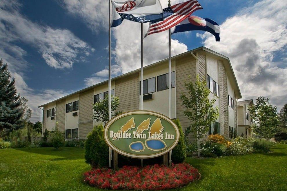 博尔德双湖酒店