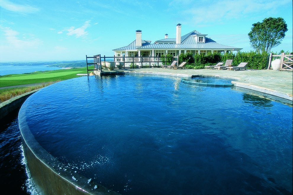 New Zealand offers a range of accommodations, including the resort-like Lodge at Kauri Cliffs.