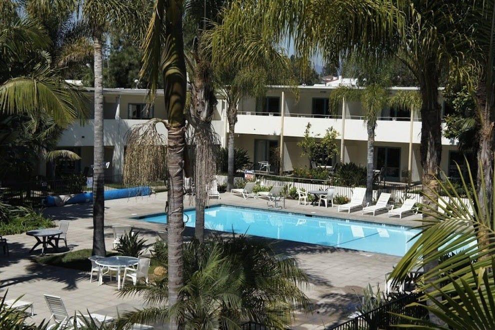 santa barbara budget hotels in santa barbara ca cheap. Black Bedroom Furniture Sets. Home Design Ideas