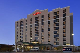 Courtyard by marriott san antonio airport san antonio - Hilton garden inn san antonio downtown ...