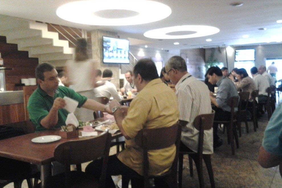 Graca da Vila is a smart buffet restaurant in Catete