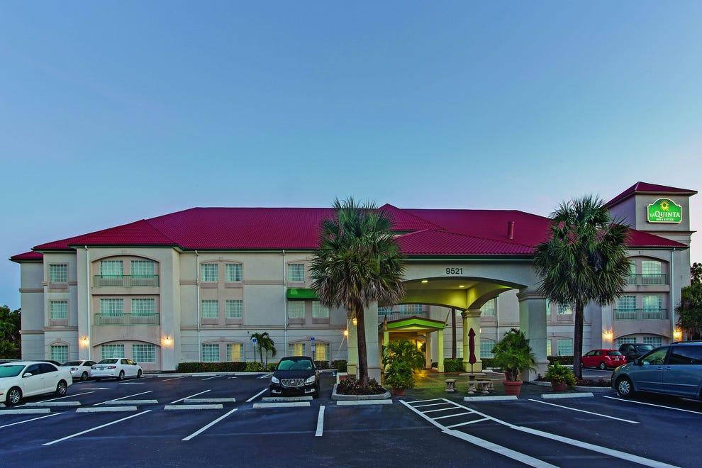 La Quinta Inn Amp Suites Fort Myers Airport Fort Myers