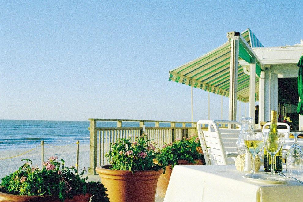那不勒斯海滩酒店和高尔夫俱乐部