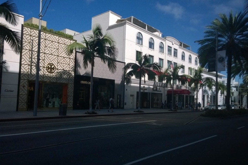 Stay on Rodeo Drive at the Luxe Rodeo Hotel