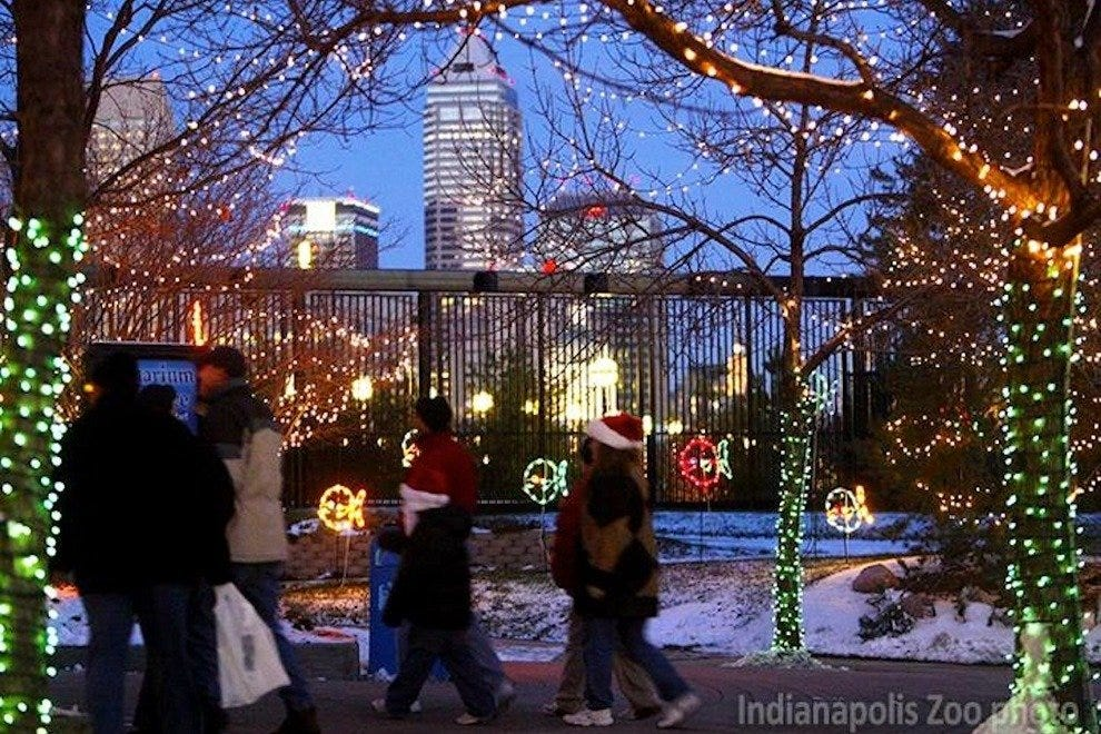 Christmas At The Zoo Indianapolis 2019.Things To Do In December Attractions In Indianapolis