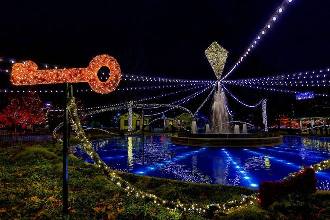 The Great Christmas Light Fight 2019.Things To Do In December Attractions In Philadelphia
