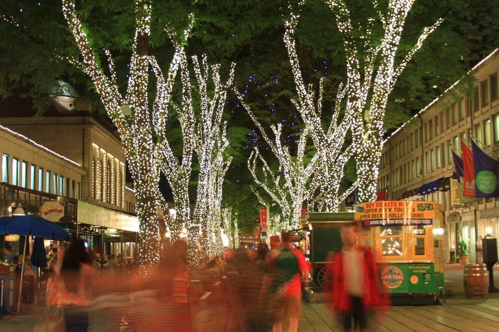Holiday Attractions: Attractions In Boston