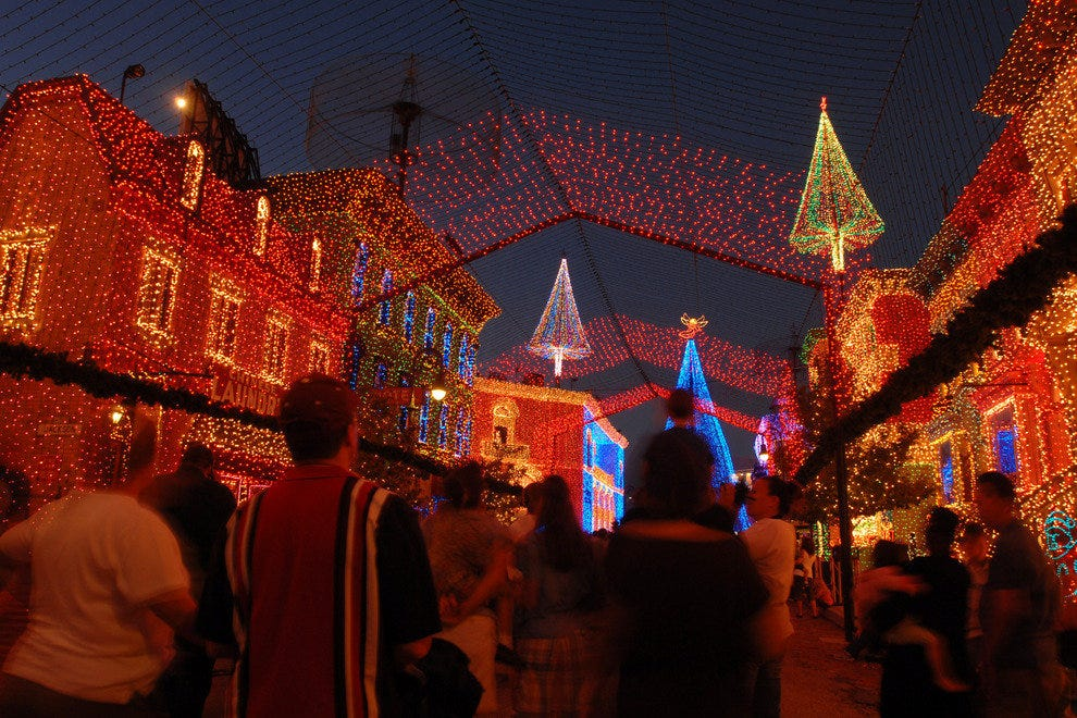 The Osborne Family Spectacle of Dancing Lights