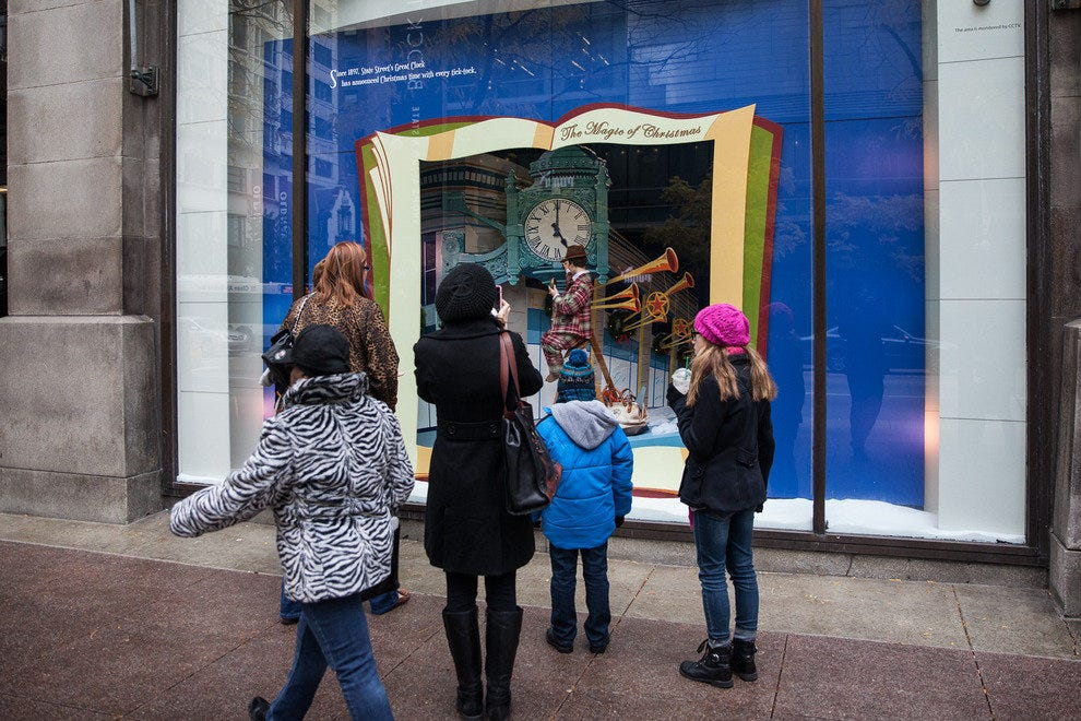 8e6953795 Holiday windows at Macy s State Street  Chicago Attractions Review ...