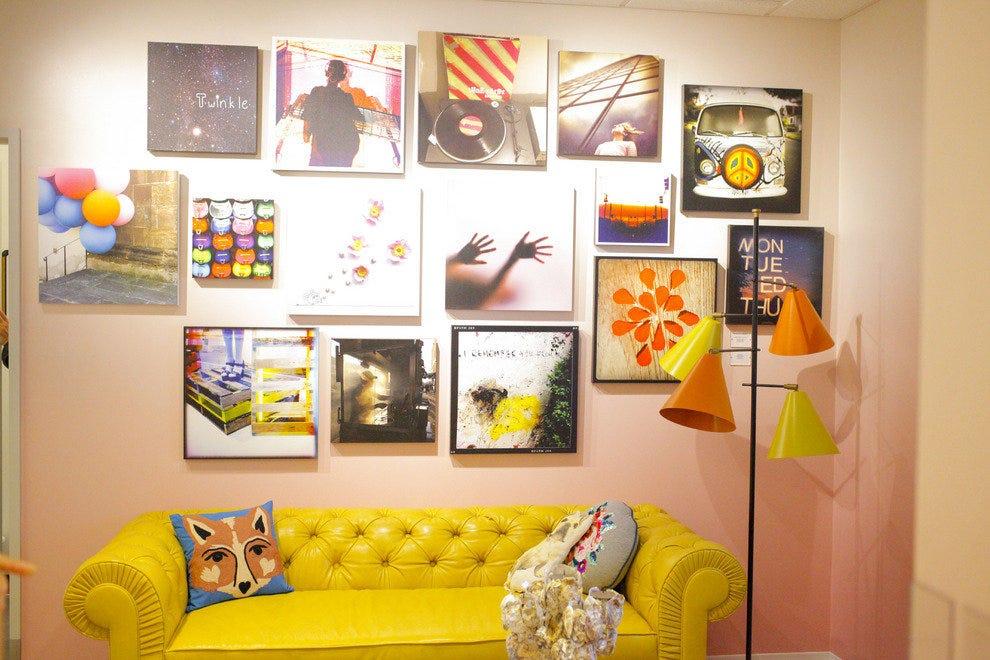 诺德斯特罗姆·杰克逊维尔设计的更衣室与公寓式起居室相似。