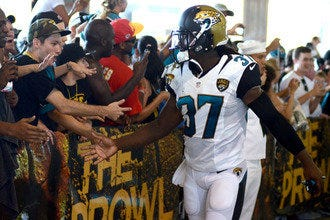 Jacksonville Jaguars Make a Splash with Festive Game Day Experience