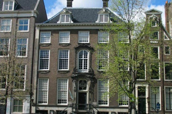"<a href=""http://www.amsterdam.info/pictures/museums/images/museum_willet-holthuysen.jpg"" target=""_573357333"" rel=""nofollow""></a>"