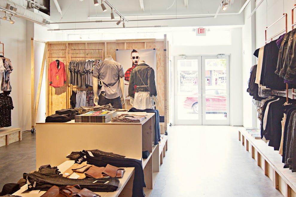 开放8月1,2014,图案商店位于印第安纳波利斯的Mass Ave。
