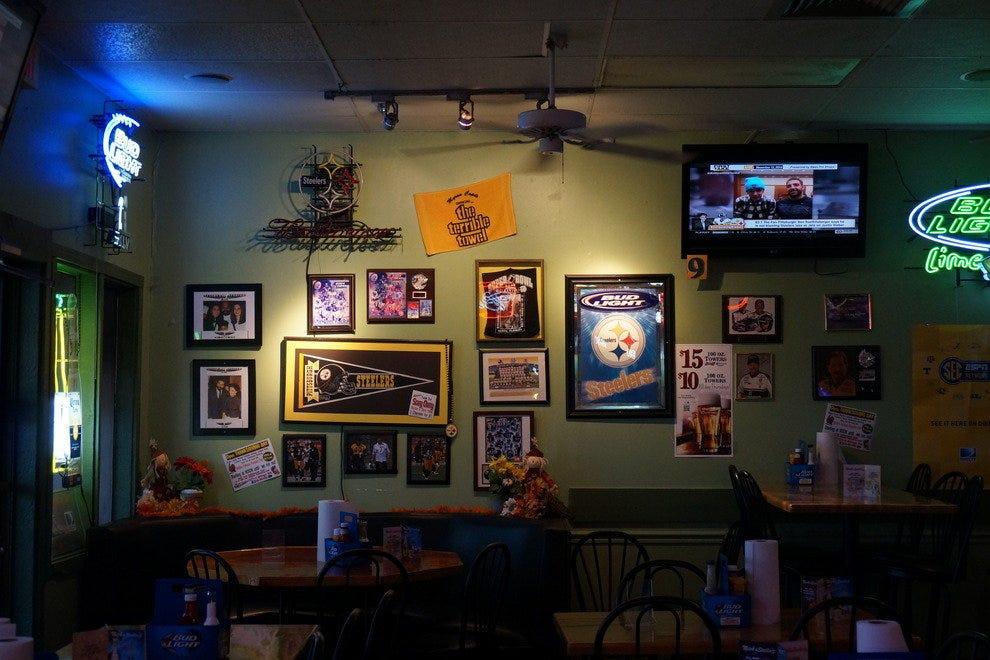 尼克和斯特拉的家庭体育酒吧
