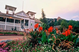 Boulder's Chautauqua Dining Hall: Tasty Food, Beautiful Scenery