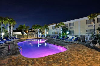 Pet Friendly Hotel Near Tampa Airport