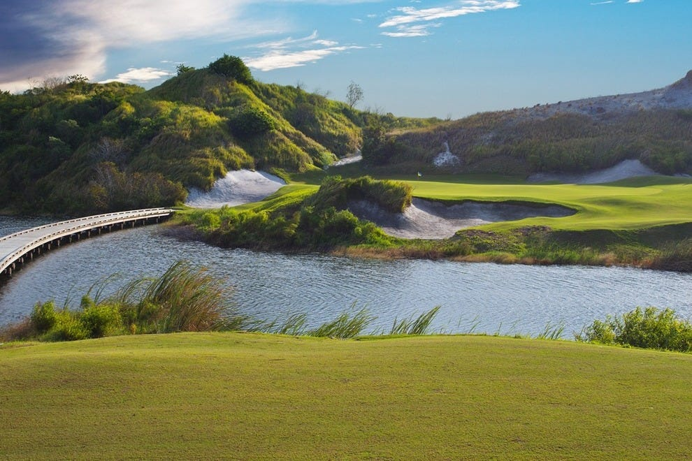 Courses like Streamsong can help ease your winter blues.