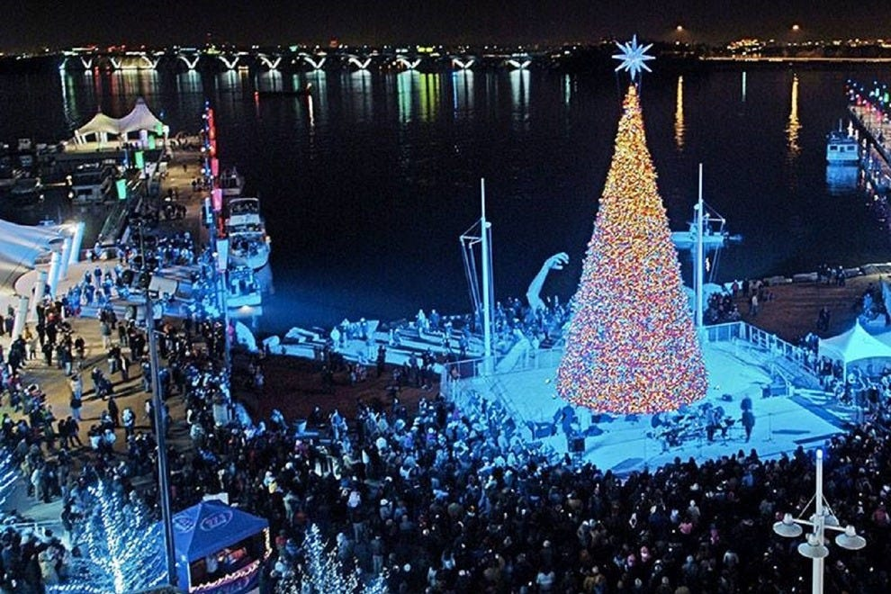 An aerial view on the National Harbor Christmas tree u2014 Photo courtesy of National Harbor & National Harboru0027s Holiday Harbor Market Outlets Offer Fun ... azcodes.com