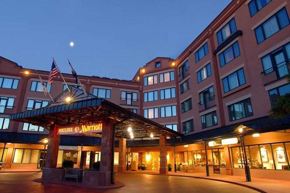 The Boulder Marriott gives guests a warm,evening welcome