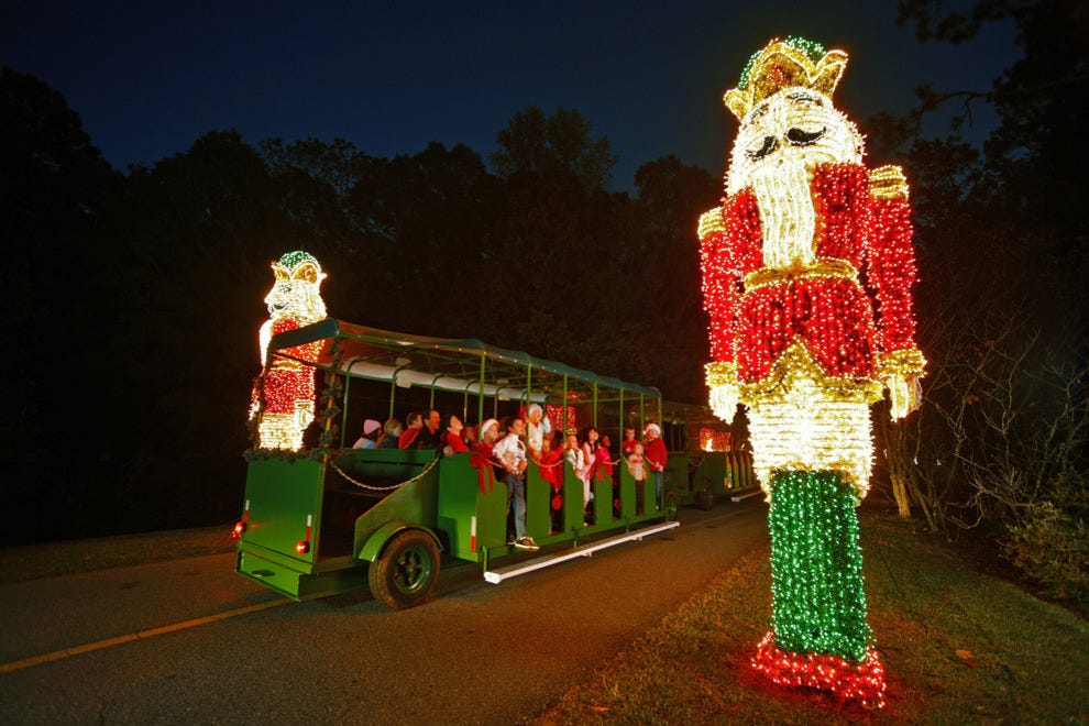 Best public lights display winners 2014 10best readers 39 choice travel awards for Callaway gardens fantasy in lights