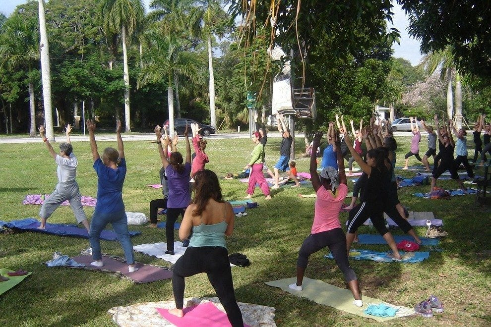 绿色市场瑜伽