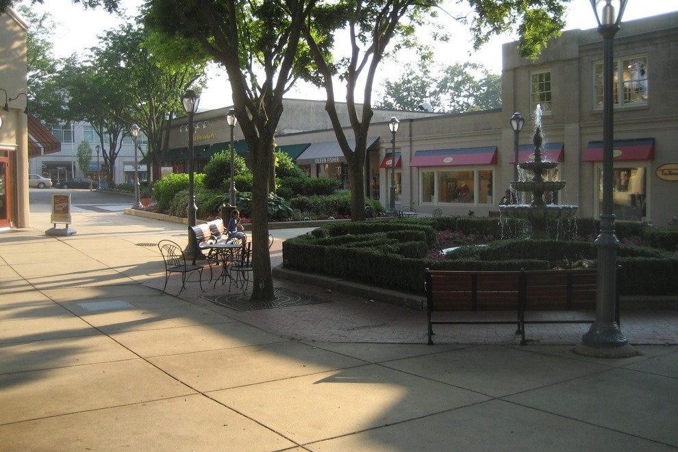 郊区的广场