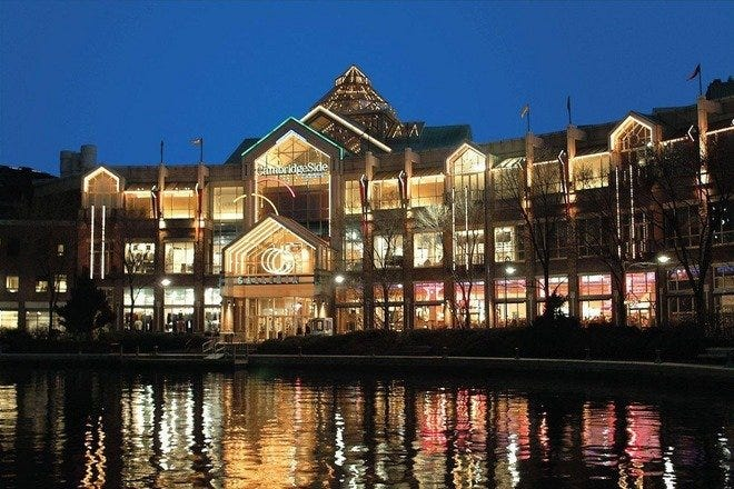 Shopping Malls and Centers in Boston