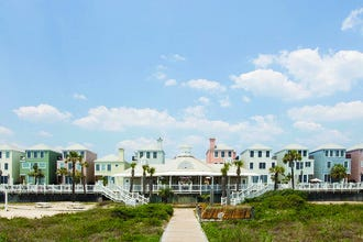 Waterfront in a Harbor Town: Charleston's Best Beach Hotels