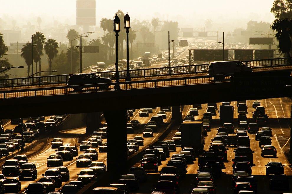 洛杉矶交通可能很疯狂,所以给自己额外的时间。