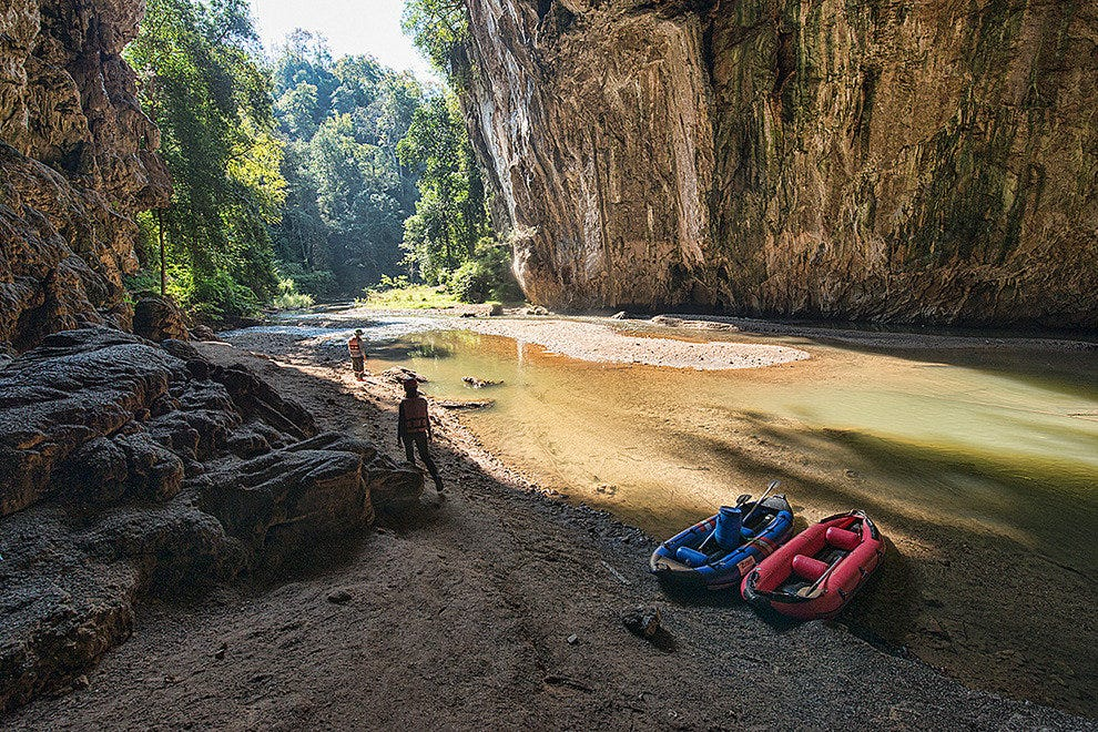 Tham Lod Cave by kayak